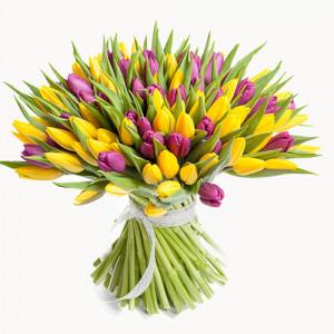 Букет 101 желто-сиреневых тюльпанов
