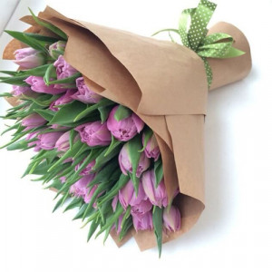 Букет 51 сиреневых тюльпанов