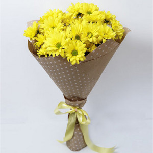 Букет 5 желтых хризантем