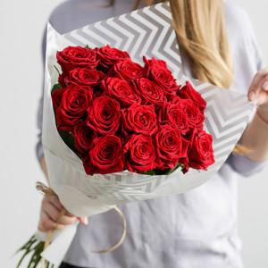 Букет из 19 красных роз Classic