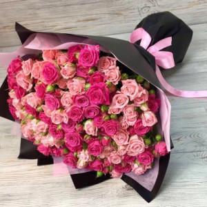 Букет 29 розовых кустовых роз