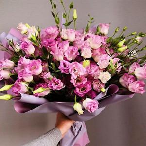 Букет 19 розовых Эустом